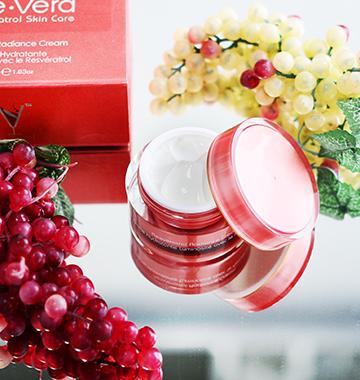 vine vera in grapes background